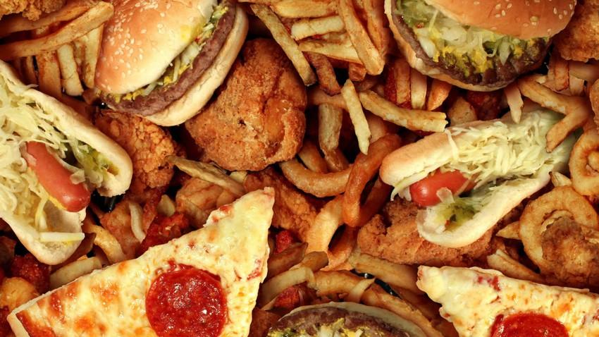 10 عادات غذائية وصحية خاطئة يجب تجنبها في العيد