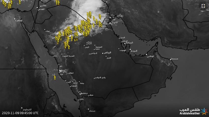 تحديث 2:40م | اشتداد السحب الرعدية في حائل بعد قليل وتنبيه من الرياح الهابطة وزخات البرد