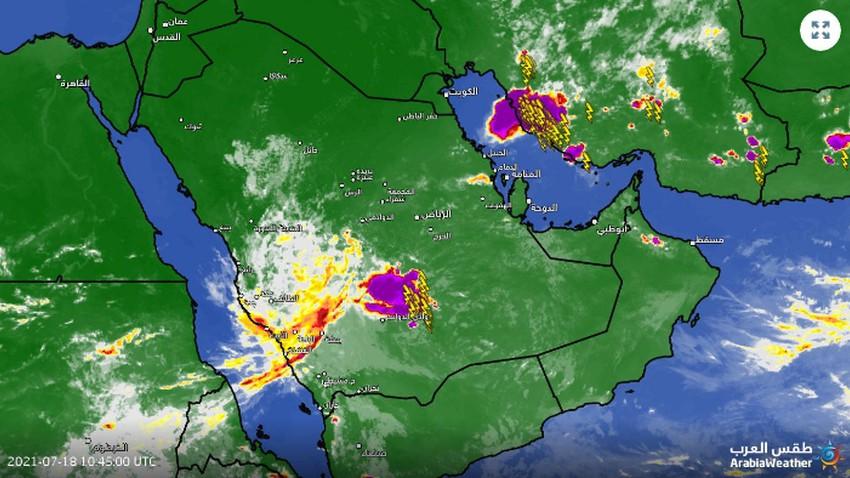 تحديث 2:15م | سحب رعدية قوية تسيطر الان على جنوب غرب الرياض ووادي الدواسر