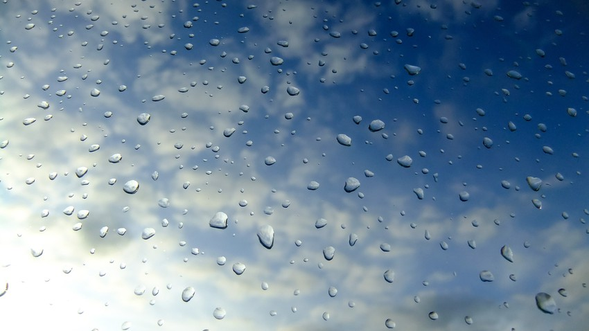 تراجع موجة البرد عن وسط السعودية وتركز الامطار في جنوب غرب السعودية وغرب اليمن