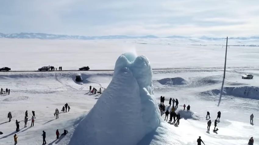البركان الجليدي في كازاخستان