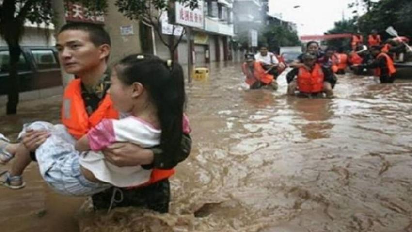 اعصار سيروجا يتسبب بفيضانات وانهيارات أرضية تخلف عشرات القتلى في إندونيسيا وتيمور الشرقية
