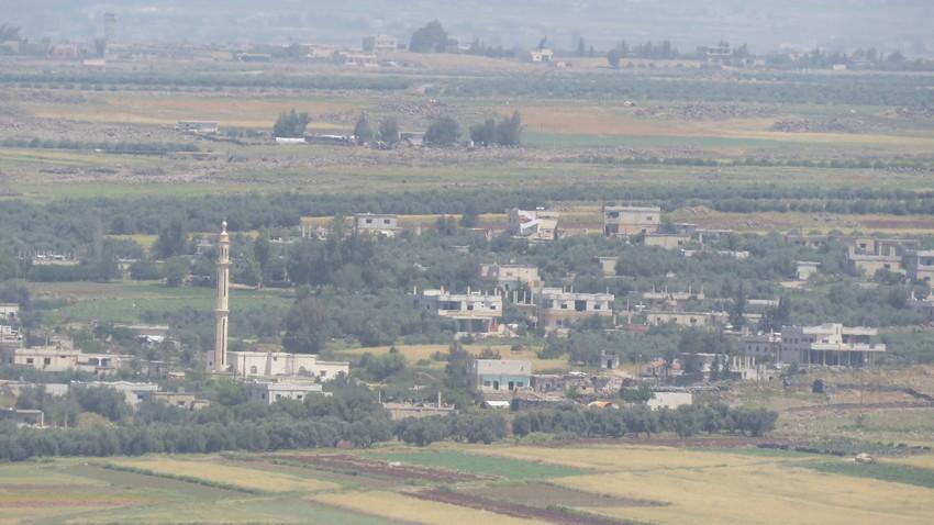 regardé Une représentation claire de plusieurs villages en Syrie du village de Hartha dans le nord de la Jordanie