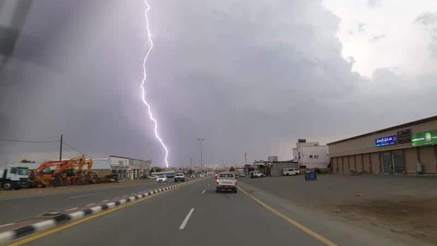 السعودية | استمرار فرص الأمطار على جازان وعسير الأحد