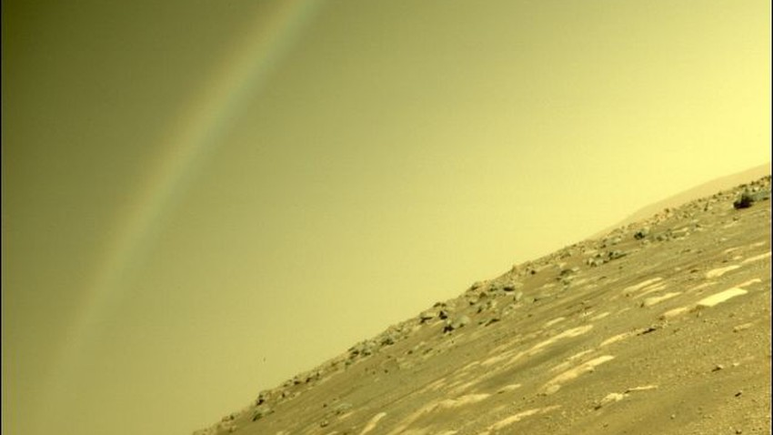 What is the truth about the rainbow on Mars that appeared in a photograph taken by Perseverance?