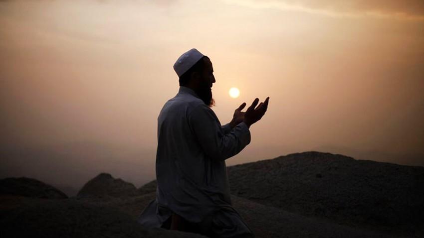 السعودية | دعا خادم الحرمين الشريفين لإقامة صلاة استسقاء يوم الخميس الموافق 4 من شهر ربيع الآخر 1442ه