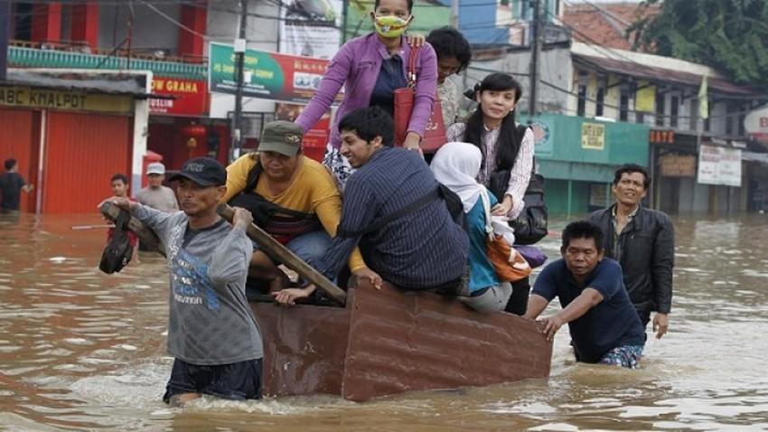 47 قتيلا في فيضانات إندونيسيا والإنهيارات الأرضية تهدد 41 مليون شخص