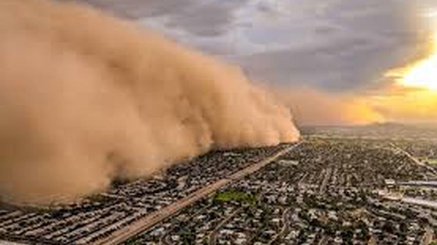 ماذا تحمل العواصف الرملية غير الغبار والأتربة؟