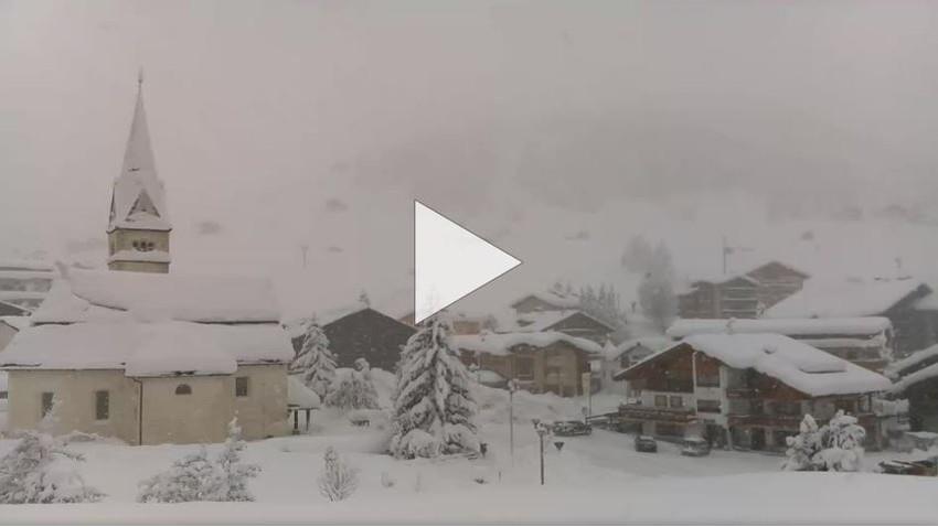 شاهد بث مباشر لعاصفة ثلجية من العيار الثقيل في ايطاليا