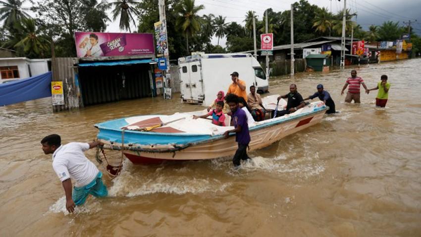 وفاة 23 شخصاً وتهجير 200 ألف بسبب الفيضانات في سريلانكا