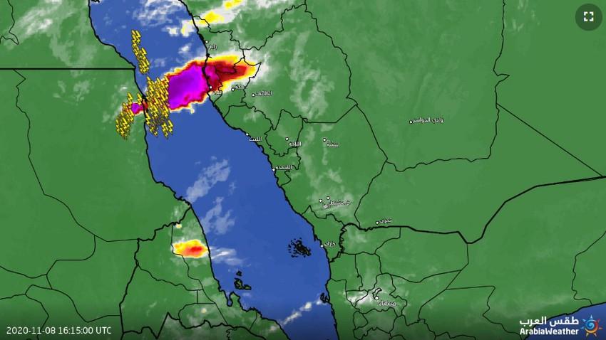 السعودية | استمرار تشكل السحب الرعدية قبالة سواحل جدة مع فرصة لامتدادها نحو السواحل على فترات