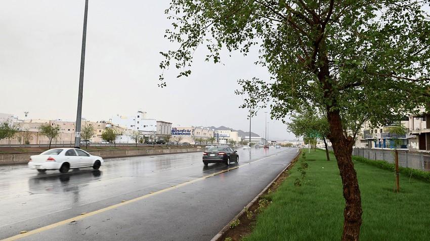 مدينة جدة   تقلبات جوية سريعة وأمطار متفرقة محتملة مساء الأحد