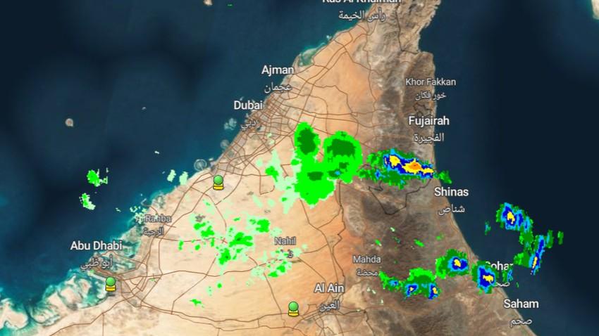 Emirates - Mise à jour 23h30 | Des nuages orageux se forment à l'est et les risques de pluie augmenteront dans les prochaines heures
