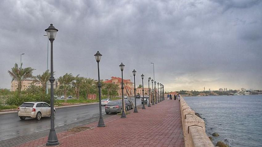 السعودية | التقلبات الجوية مستمرة وفرص الأمطار ستشمل هذه المناطق السبت والأحد