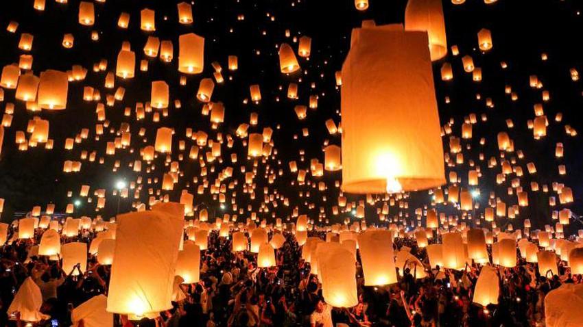 يي بنغ .. مهرجان المصابيح في تايلاند