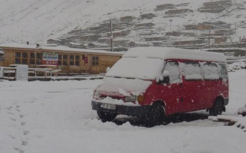 تركيا و تساقُط كثيف للثلوج على المرتفعات الجبلية العالية