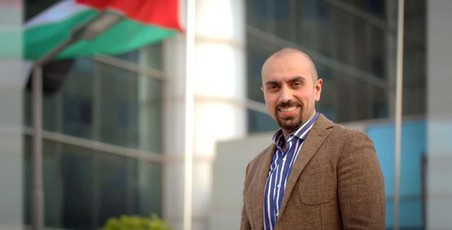 الدكتور محمد حواري - أخصائي طب وجراحة العيون